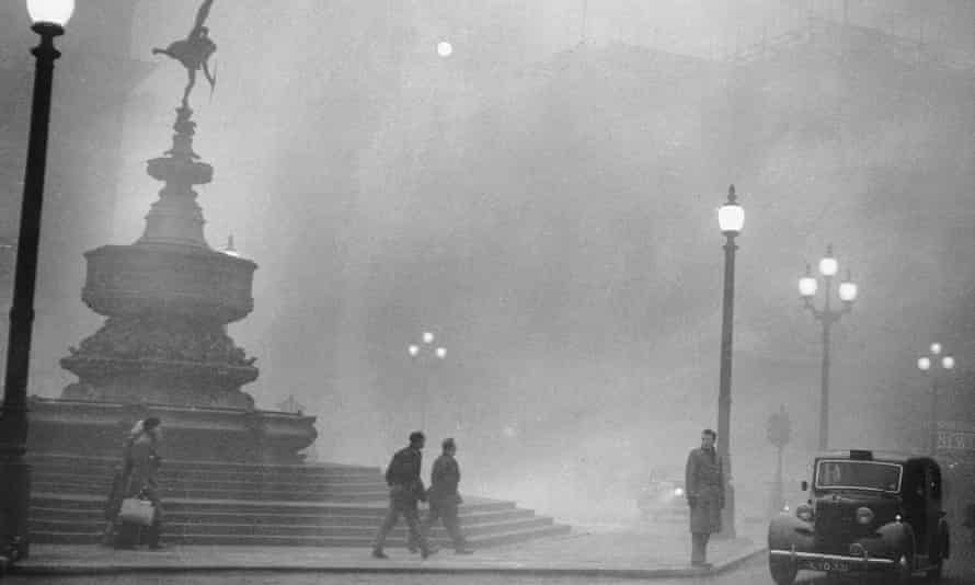 smog Piccadilly Circus London December 1952.