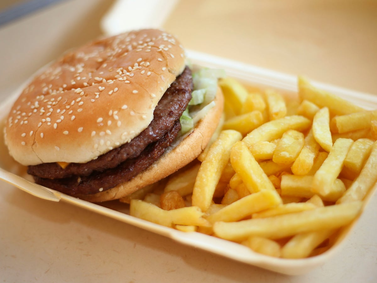 Eating junk food raises risk of depression, says multi-country study |  Depression | The Guardian