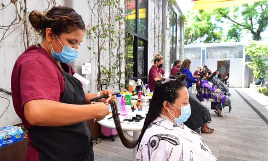 Beauty workers in southern California. The unemployment rate dipped again to 4.8% in September and the number of unemployed people fell by 710,000 to 7.7m.