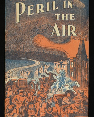 Sensational cover (orange and blue) of a skull-faced Death in a swirling dark cloud over a city from which terrified inhabitants are fleeing on foot, in cars, bicycles and horse-drawn carriages.