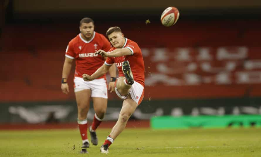 Callum Sheedy was nerveless in kicking three penalties and two conversions to ensure there was no way back for England