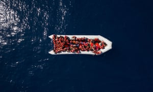 Dinghy with refugees and migrants