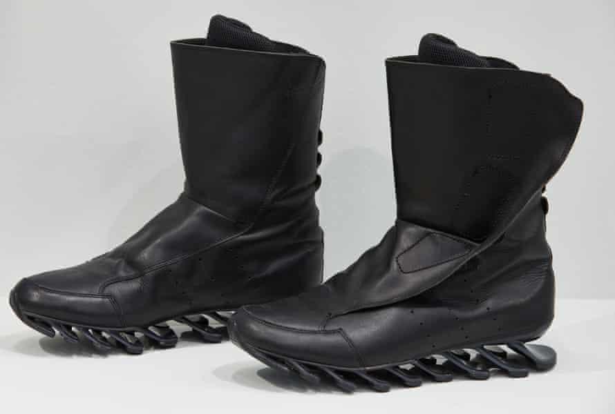 اثر ترامپولین… Adidas Springblades.