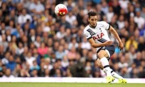 Nabil Bentaleb in action for Tottenham Hotspur against Everton last year. The midfielder has joined Schalke 04 on loan.