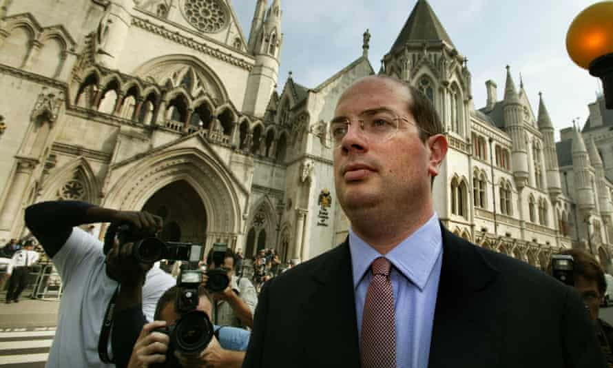 BBC journalist Andrew Gilligan arrives at the Royal Courts of Justice for the Hutton inquiry into the death of Dr David Kelly.