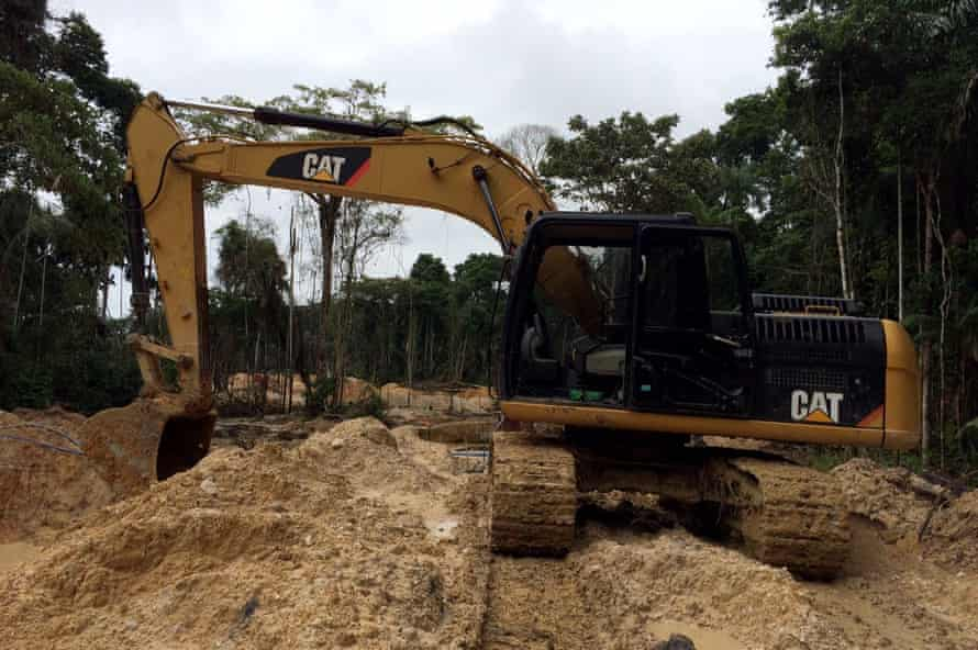 Illegal gold mines in the Seventh of September territory in 2015