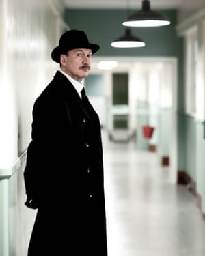 Thewlis in An Inspector Calls.