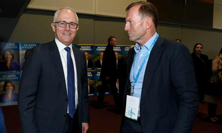 Malcolm Turnbull has rebuffed Tony Abbott's pitch for a party room meeting on the national energy guarantee.