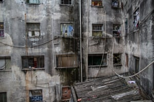Ocupa Mauá in the centre of São Paulo, next to an important train station, used to be called the Hotel Santos Dumont. The building was abandoned after the hotel closed in the 1980s – now many families live precariously in the building.