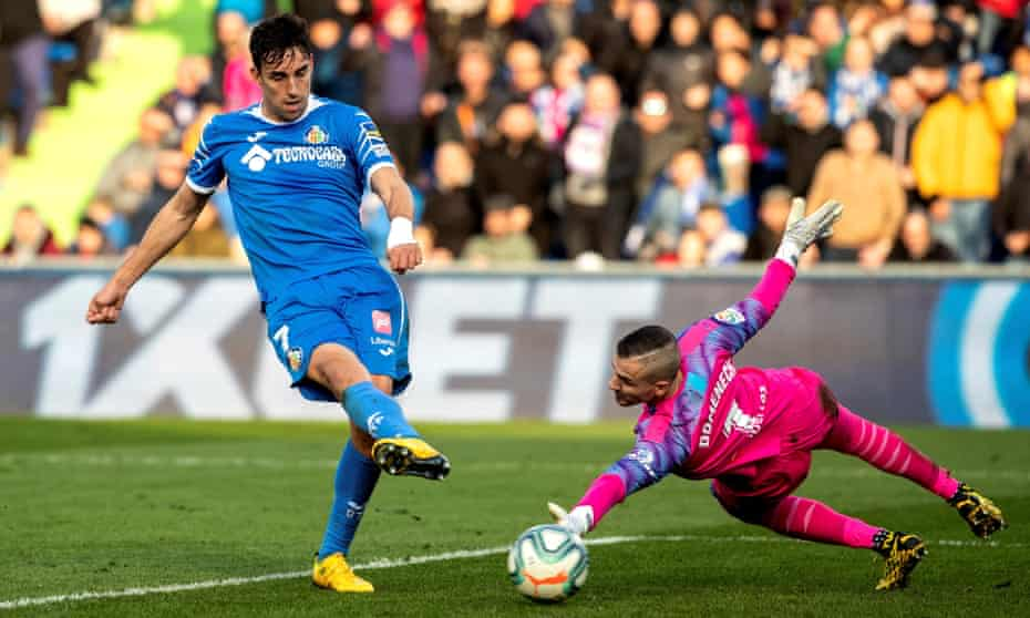 Getafe CF's Jaime Mata scores the third goal after some fine work from Ángel in the buildup.