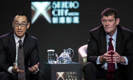 Lawrence Ho, chief executive of Melco Crown Entertainment, and James Packer, co-chairman of Melco Crown Entertainment.