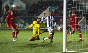 Salomon Rondon, second right, gives West Bromwich Albion the lead.