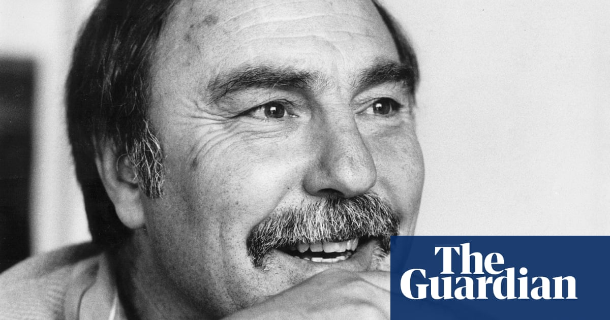 Jimmy Greaves, England and Tottenham great, dies aged 81