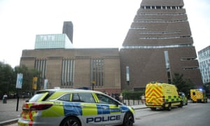 Emergency crews arriving at Tate Modern on 4 August 2019