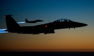 US warplanes fly over northern Iraq, after conducting airstrikes in Syria.