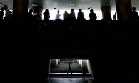 14 states lost power in on Monday afternoon, including Caracas.