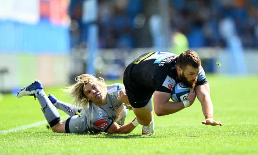 Sale's Faf de Klerk gets in a tackle on Luke Cowan-Dickie.