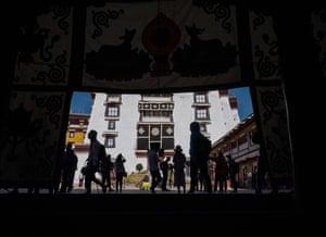 Tourists visit the Potala Palace