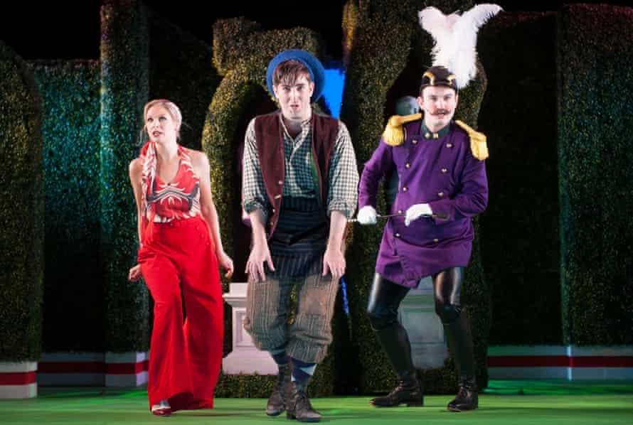 Ellie Laugharne, Elgan Llyr Thomas and Toby Girling in The Elixir of Love.