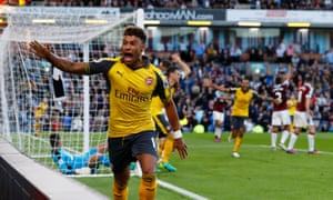 Arsenal's Alex Oxlade-Chamberlain celebrates after Laurent Koscielny grabs the winner after the two minutes alloted injury time was up.