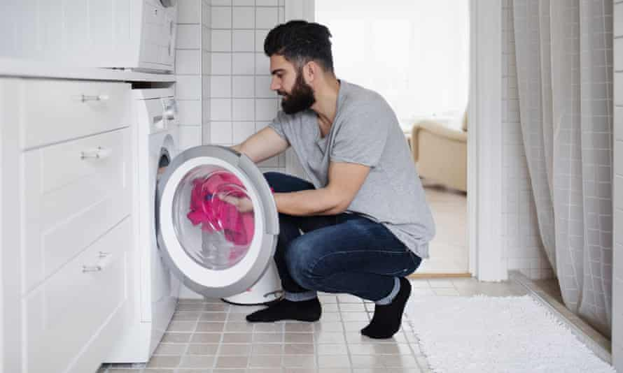 A report says adopting existing global standards on energy efficiency, including having better standards for household appliances, would 'easily deliver half of the abatement required to meet Australia's target to reduce emissions by 26-28% by 2030'.