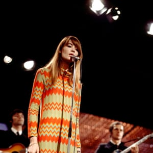Francoise Hardy perform in London, 1968.