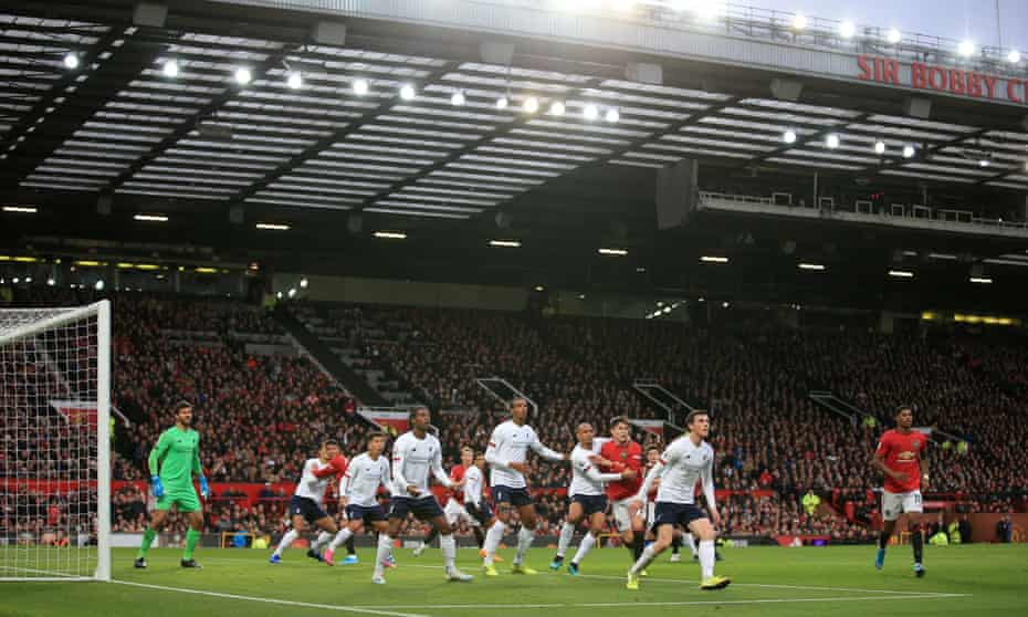 Manchester United and Liverpool played out a 1-1 draw at Old Trafford on Sunday