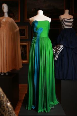 Dress (1985) by GrèsAutumn–winter silk (jersey)