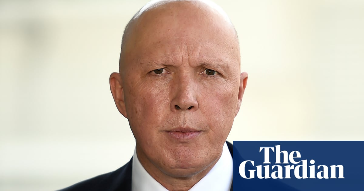 'Rigidly flexible': Peter Dutton's office directs department to answer media inquiries in three paragraphs