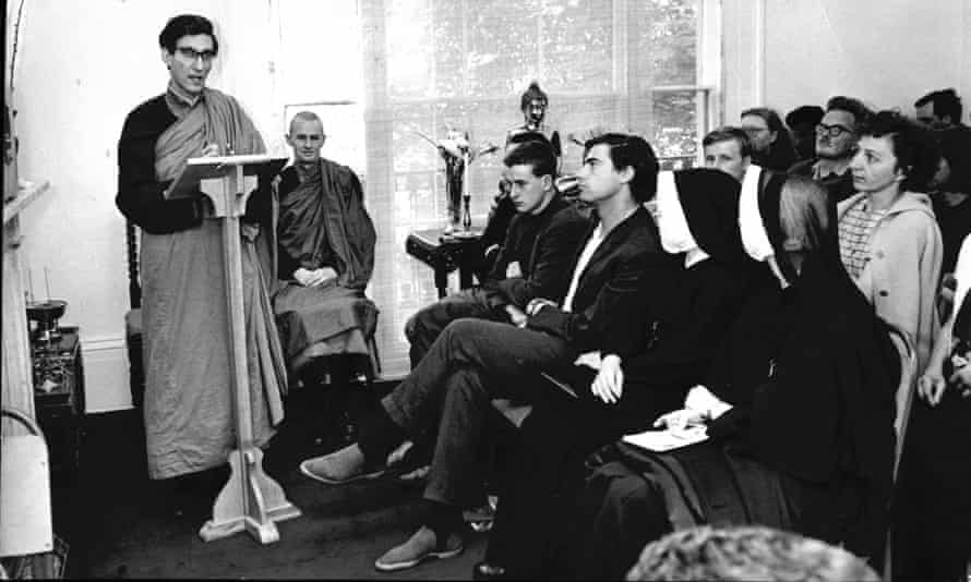 Sangharakshita teaching at the Hampstead Buddhist Temple in 1966.