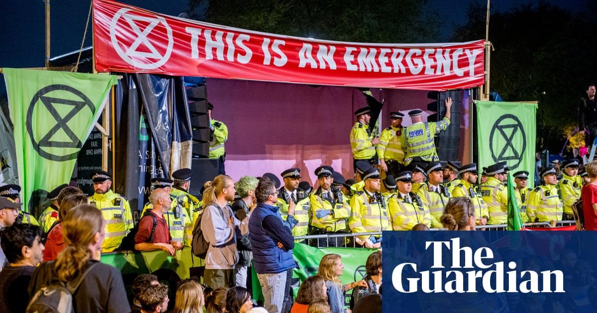 John McDonnell backs Extinction Rebellion activists during trial