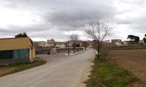A view of the main road into Sayatón.