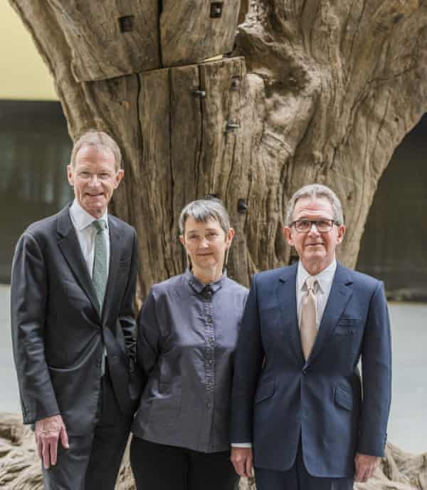 Sir Nicholas Serota, Frances Morris and Lord Browne in the Turbine Hall at the opening of the Switch House.