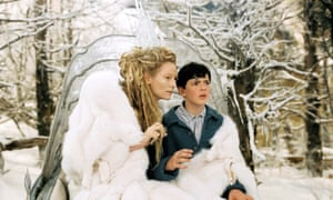 Skandar Keynes as Edmund with Tilda Swinton in The Chronicles of Narnia: The Lion, the Witch and the Wardrobe (2005)