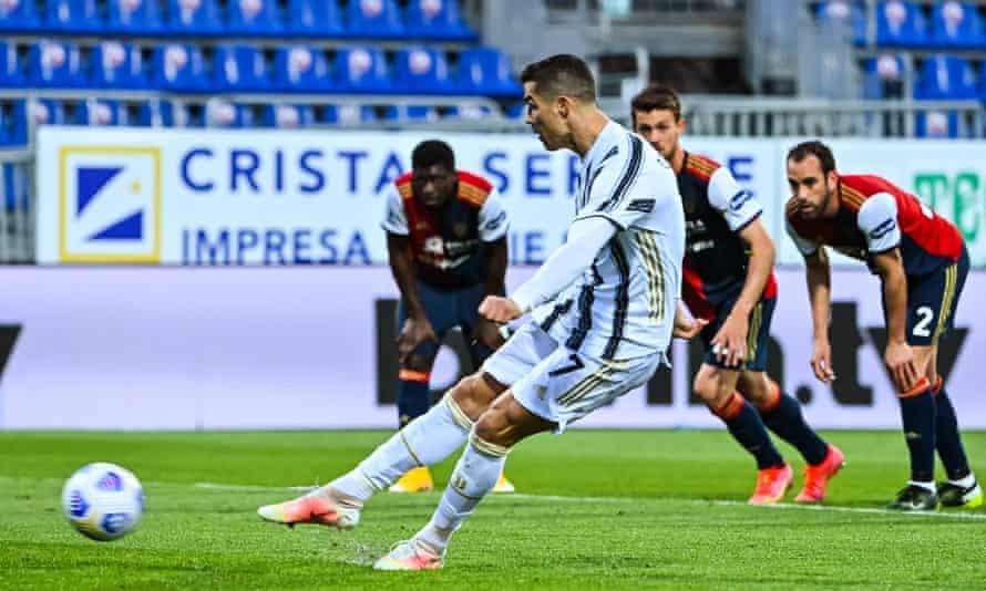 Cristiano Ronaldo scores his second goal against Cagliari from the spot.