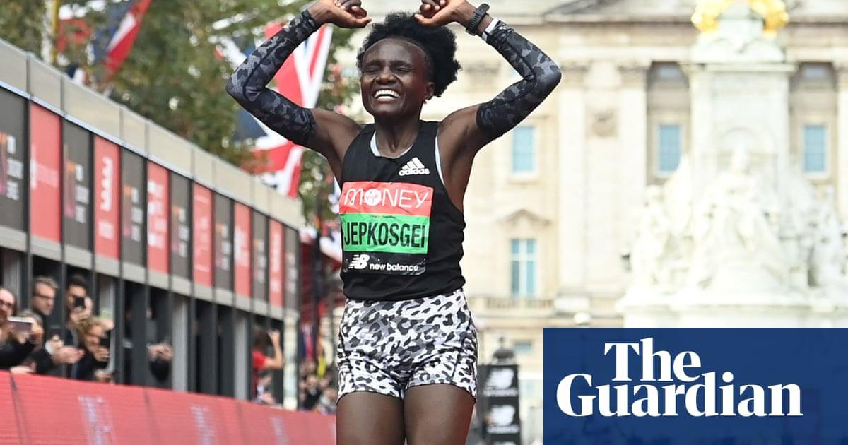 London Marathon: Lemma wins men's race, Jepkosgei takes women's event