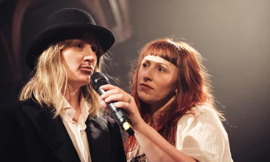 Becky Wilkie as Rossetti and Helen Greenland as Siddal.