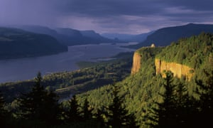 Columbia River and Vista House museum in  Multnomah County, Oregon