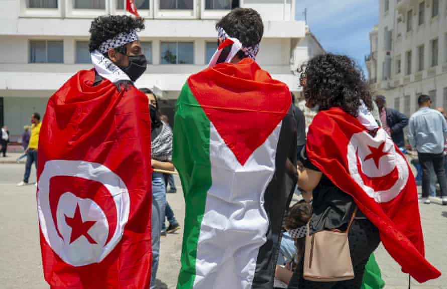 A pro-Palestinian demonstration in Tunisia held on Saturday to protest against Israeli attacks on the Gaza Strip, despite lockdown restrictions.