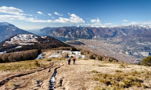 Hikers during the ascent to Monte Stivo