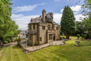 Fantasy Bigfamily : Bradford, West Yorkshire