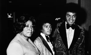 Michael Jackson and his parents Katherine and Joe at the Golden Globes, 28 January 1973.