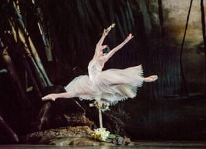 Natalia Osipova in Giselle by the Royal Ballet in 2016.