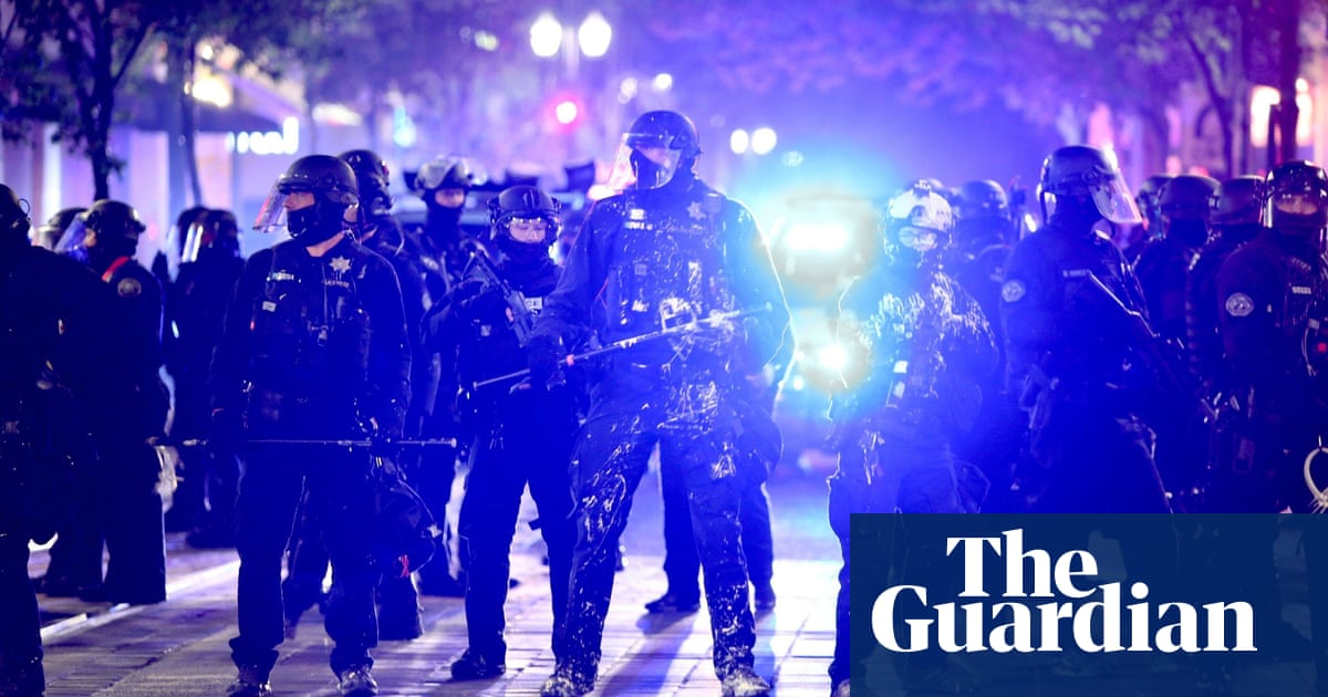 Portland police and protesters clash in fresh demonstrations near courthouse – The Guardian