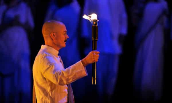 Toby Spence as M.K.Gandhi in English National Opera's production of Philip Glass's Satyagraha, January 2018.
