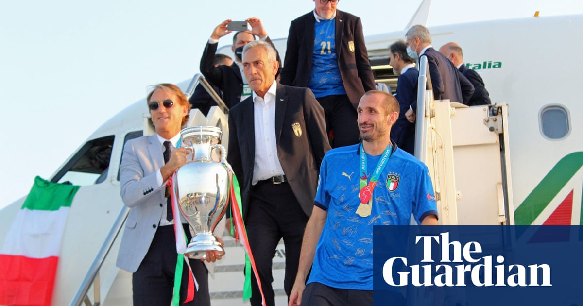 'Bringing home the trophy': Mancini dedicates tears to all of Italy after win