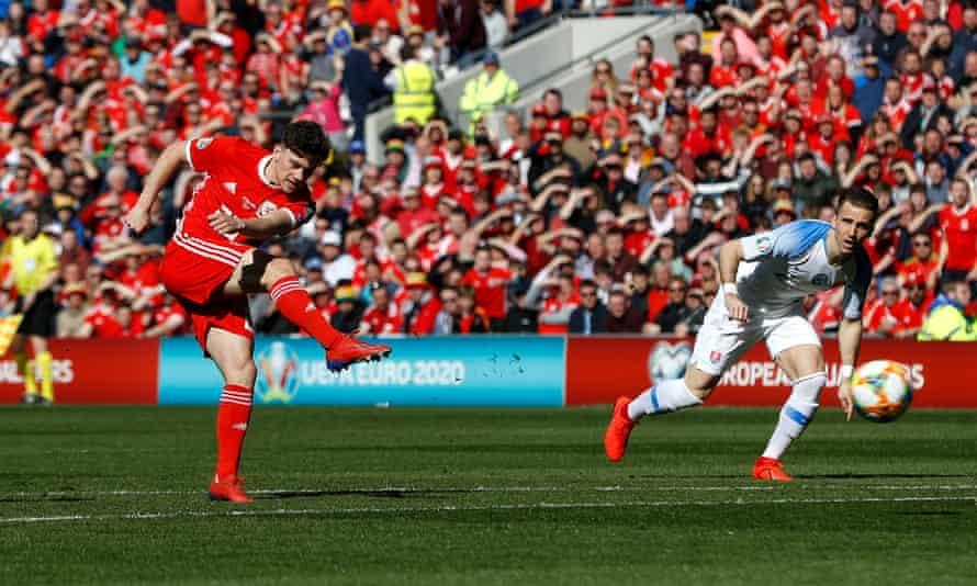 Daniel James puts Wales in front