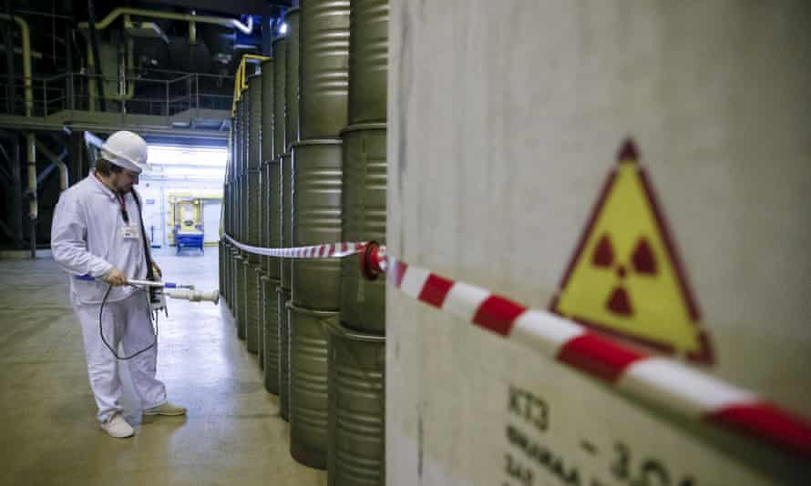 Measuring the radiation level at a plant for processing liquid radioactive waste.