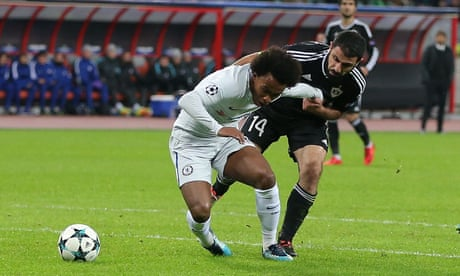 Willian eases Chelsea into last 16 after early red card ends Qarabag chances