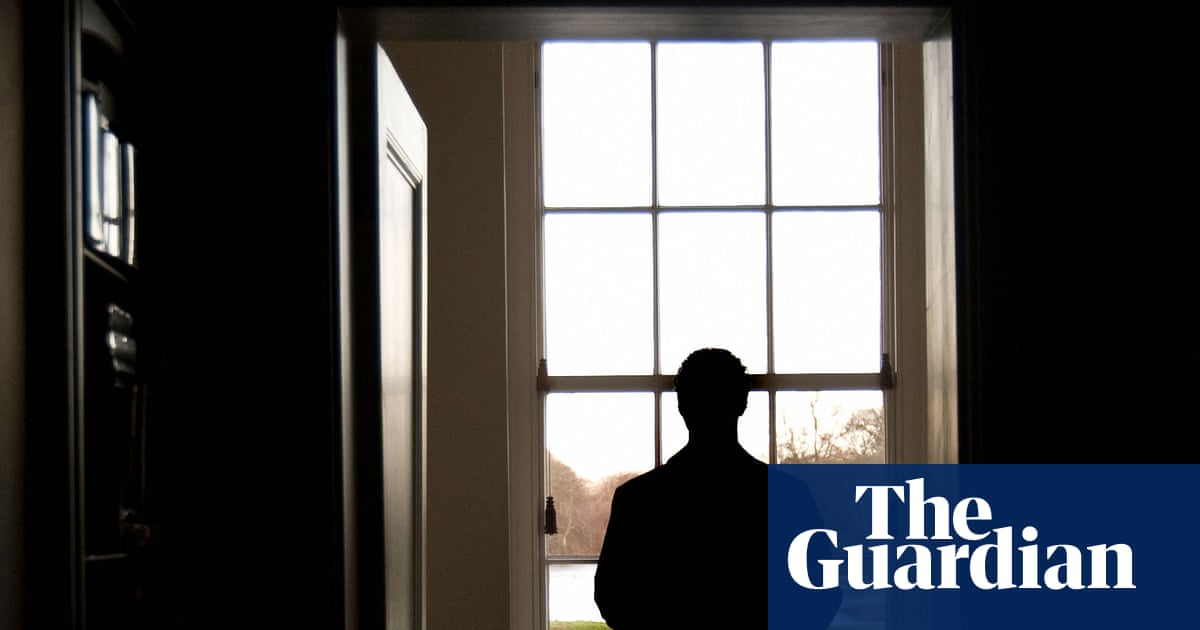 Psychosis cases soar in England as pandemic hits mental health